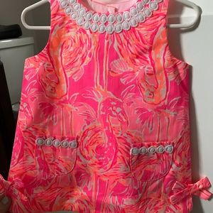Lilly Pulitzer tiki pink tapping it back small